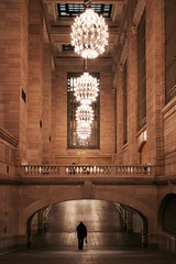 the glorious ramp (Towner Images) Tags: ny nyc us usa towner manhattan townerimages newyork bigapple building architecture design city urban america grandcentral grandcentralterminal station rail railway light lighting illumination ramp