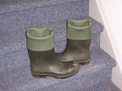 DUNLOP Purofort 384 (stevelman14) Tags: dunlop purofort donkergroengroen roodopdruk laarzen omgeslagenranden schoon poseren indoor