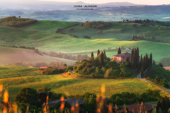 Dawn on the farm (Chiara Salvadori) Tags: tuscany valdorcia sanquiricodorcia travelphotography italy toscana agriculture beautiful colors country farmland field hill landscape light mist nature outdoors places premium scenery siena spring sun sunrise tourism travel traveling trip unesco wine