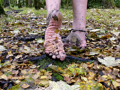 Wet sole (Barefoot Adventurer) Tags: barefoot barefooting barefoothiking barefeet barefooter barefooted barfuss baresoles blacksoles toughsoles texture nature naturallytough natural naturalsoles wrinkledsoles wetmud woodland autumnbarefooting autumnsoles autumn grounded ruggedsoles earthsoles earthing earthstainedsoles energy toes ankles anklet livingleather leathertoughsoles