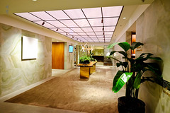 Corridor (A. Wee) Tags: cathaypacific thepier firstclass airport lounge hkg hongkong 国泰航空 香港 机场 中国 china