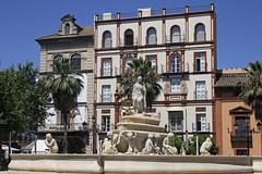 Séville : puerta Jerez (Maillekeule) Tags: seville sevilla andalousie andaloucia andalucia puerta jerez fontaine hispalis fountain