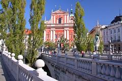 LJUBLJANA, SLOVENIA: The Church of The Annunciation and the Triple Bridge (christophe.cappelli) Tags: slovenia ljubljana churchoftheannunciation triplebridge river ljubljanica europe colorful colors