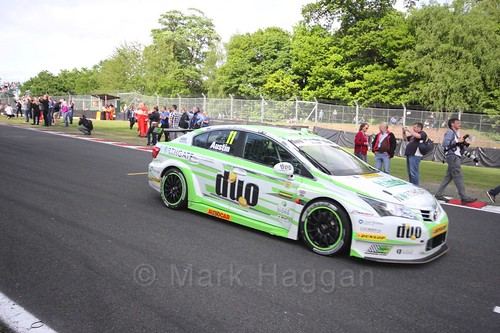 Rob Austin heads on to the BTCC grid at Oulton Park, May 2017