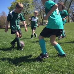 (Ryan Dickey) Tags: passing passingtheball team pass