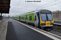 29002 at Connolly, 22/4/17 (hurricanemk1c) Tags: railways railway train trains irish rail irishrail iarnród éireann iarnródéireann 2017 class29000 caf commuter dublin connolly 29002 0645goreydundalk 0849connollydundalk
