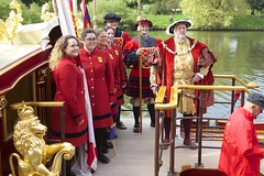 TP30 (EmmaDurnford) Tags: tudorpull 2017 hamptoncourtplace molesey teddington riverthames watermen annual rowing event palaces stela watermanscompany gloriana thamestraditionalrowingcompany flags pennants royalarms henryv111 king tudors livery boats vessels teams