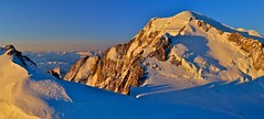 photo  de montagne en format panoramique  / le massif du mont-blanc vu du ciel (BOILLON CHRISTOPHE) Tags: photoboillonchristophe sunrise landscape nikond4 montblanc chamonix chamonixmontblanc expo