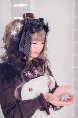 SDF_6875 (SendoFu) Tags: bonnet ボンネット エプロン風スカート blouse bl ブラウス headbow kc カチューシャ bnt 蕾絲 維多利亞 jsk op onepiecedress ワンピース jumperskirt ジャンパースカート nop lolita lolitafashion 蘿莉塔 蘿莉塔時裝 ロリータ・ファッション sweetlolita classicallolita