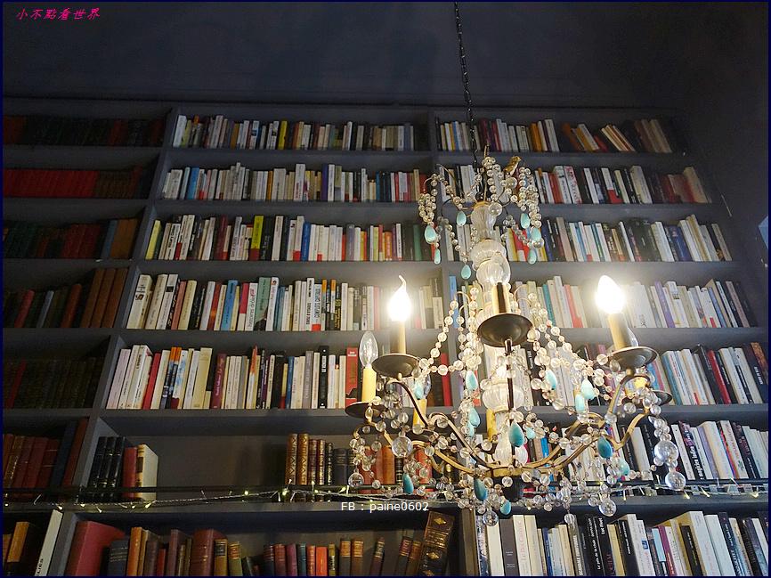 巴黎 Merci . Used Book Cafe (47).JPG