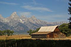 Moulton Barn - Mormon Row (bhotchkies) Tags: usa wyoming nationalpark grandtetons teton mormonrow