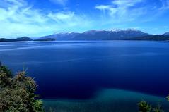 Vista del Lago Nahuel Huapi. Patagonia Argentina. (luisarmandooyarzun) Tags: tranquillity cieloazul sky fotografia belleza agua azul blue turismo turismoblue airelibre panoramica paisaje nikon photography landscape sur lago lake patagoniaargentina patagonia argentina