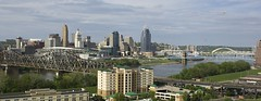 Cincinnati Ohio (ucumari photography) Tags: ucumariphotography cincinnati ohio downtownbusinessdistrict april 2017 dsc2054