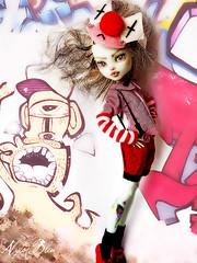 URban Artist with style (NylonBleu) Tags: mh monster high frankie nylonbleu kamarza ooak custom custo repaint graffitis urban art