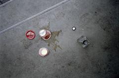 Untitled (Florian Thein) Tags: berlin schöneberg kaffee schnaps schnapps coffee verschüttet spilled vonoben fromabove vogelschau stillleben stilllife film analog 35mm yashicat5 kodak kodakgold kleinbild