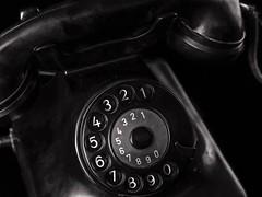Vintage Phone (dietmar-schwanitz) Tags: telefon telephone phone vintage vintagephone alt altestelefonw48deutschepostsiemenssiemenshalskemonochrommonochromeswbwschwarzweisblackwhitelowkeynahaufnahmecloseupdörrsiruinikond750nikonafsnikkor24120mmf4 0ged lightroom dietmarschwanitz