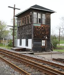 Tuckahoe signal tower (kitmasterbloke) Tags: tuckahoe nj usa jersey railroad tourist iutdoor transport diesel locomotive train