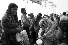Taking a bath in the holy Ganga, Varanasi India (mafate69) Tags: asia asie asiedusud southasia subcontinent souscontinent india inde up uttarpradesh varanasi benares benaras kashi ganga gange gath hinduism hinduist street streetshot streetlevelphoto city candid nb noiretblanc bw blackandwhyte earthasia mafate69 rue reportage documentaire documentary portrait photojournalisme photoreportage photojournalism