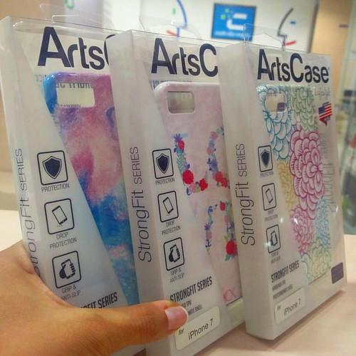 ¡Toda la variedad de accesorios para tu iPhone 7 la encuentras en @compudemano! #cadadiamejor. Visita nuestra tienda o llámanos Bogotá: (1) 381 9922 - Medellín: (4) 204 0707 - Cali (2) 891 2999 - Barranquilla: (5) 316 1300 - Pereira: (6) 335 9494 - Celula