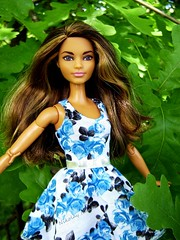 Gena among the Oaks (Nickolas Hananniah) Tags: madetomovebarbie barbiedoll barbie oak park floral dress spring may fashion doll collectabledoll collector toy