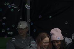 Bubbles in the Background (Rudi Pauwels) Tags: fotosondag bakgrund fs170514 sweden sverige schweden goteborg gothenburg avenyn avenynblockparty fun happy gotaplatsen portrait girls boy tamron 18270mm tamron18270mm nikon d7100 nikond7100