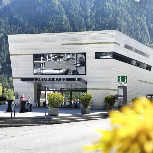 Europahaus again ...  #europahausmayrhofen #europahaus #mayrhofen #zillertal #lovezillertal #piefkesaga #kongresszentrum #lovemayrhofen #lovetirol #iloveaustria #inaustria #feelaustria #austrianblogger #tirolbilder #kreativeseite #photooftheday #picofthed