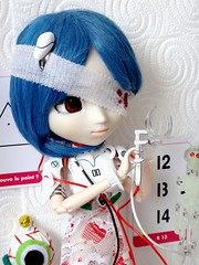 Hitomi ~ (Dolly Fugu ღ) Tags: pullip rei ayanami eyeballs flower heart anatomical blood scifi weird freaky skeleton android experiment circuit