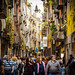 ¿Has visto esa fachada? (Salva Pagès) Tags: carrer calle street streetphotography girona gent gente people ple lleno crowd