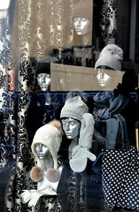 New York  windows (dw*c) Tags: newyork nyc window windows mannequin mannequins model models vitrine vitrines nikon picmonkey