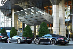 Porsche 911 Carrera 4S Cabriolet + Ferrari 488 GTB (boti_marton) Tags: porsche 911 911carrera 911cabrio cabriolet car sportcar supercar coupe ferrari 488 488gtb kempinski hotel city cityscape budapest hungary magyarország europa panasonic dmc lz20 lumix
