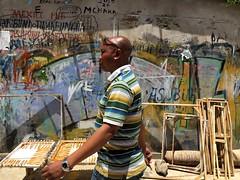 at tinga tinga art collective (Cybergabi) Tags: tanzania africa 2016 daressalaam streetart passerby photobomb