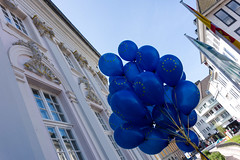 Yes to europe! (MR@tter) Tags: bonn deutschland nrw sonydscrx100 europatag yestoeurope blue pulseofeurope balloon luftballon