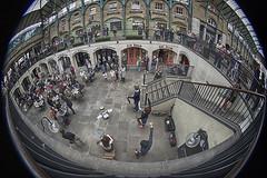 Au coeur du spectacle (Explore) (Sandra 25) Tags: london londres fisheye spectacle coventgarden scènederue streetscene explore