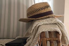 365-129 (Letua) Tags: sombrero relax disfrute libro airelibre hat enjoy book reading outdoor