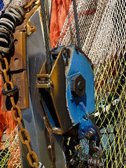pulley   explore 08-05-2017 (Roel Oortwijn) Tags: detail katrol pulley boat ship boot haven harbour ijmuiden explored explore inexplore