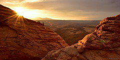 Golden Sunrise above the Desert|Canyonlands National Park, Utah (miltonsun) Tags: sunrise desert canyonlandsnationalpark utah rollinghills morning landscape mountains clouds sky rock canyon abstract moab colorfullandscape mesas coloradoriver greenriver islandinthesky needles maze