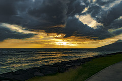 Kalama Beach Park Sunset (r1aviator) Tags: kalamabeachpark kihei maui hi sunset