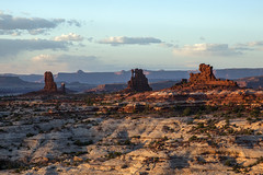 Land of Standing Rocks (Jeff Mitton) Tags: landofstandingrocks themazedistrict canyonlandsnationalpark utah coloradoplateau sandstone earthnaturelife wondersofnature landscape nationalpark
