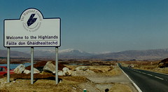 Welcome to the Highlands A82 (J_Piks) Tags: road border highlands welcome sign roadsign scotland a82