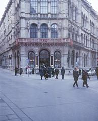 Café Central (nikolaijan) Tags: plaubelmakina 67 kodak portra800 expired 120 wien vienna central cafe austria plaubel film