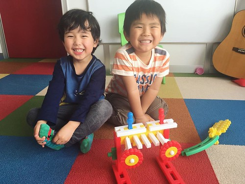 Creative kids with big smiles at Star Kids International Preschool, Tokyo. #starkids #international #preschool #school #children #kids #kinder #kindergarten #daycare #fun #shibakoen #minatoku #tokyo #japan #instakids #instagood #twitter #子供 #幼稚園 #保育園 #スター