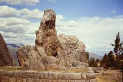K'enko, Cusco, Peru, 1989. (Inti Runa) Tags: ngc canoneos650film canon3570mmf3556 cusco kenko peru southamerica amériquedusud sudamerica arqueologia archeology archéologie inca tourism turismo 1989