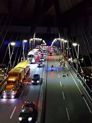 Köhlbrandbrücke, Hamburg - Miniaturwunderland (aNNa schramm) Tags: brücke bridge night nacht nachtaufnahme miniaturwunderland hamburg autos car bike light lamps köhlbrandbrücke
