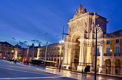 An evening in Lisbon (somabiswas) Tags: lisbon commercialsquare portugal evening lights sculpture saariysqualitypictures