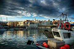 L'Ametlla de Mar (candi...) Tags: lametllademar pueblo puerto mar barcos agua cielo nubes sol airelibre casas reflejos sonya77