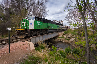 Burlington Northern Crossing the Ditch