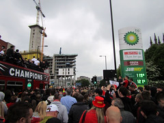 Sheffield United Parade 2017 (Dave_Johnson) Tags: sheffieldunited sheffutd blades theblades football footie sport parade victoryparade leagueone champions championship sheffield southyorkshire bus opentopbus bramall lane billysharp bp petrolstation spar stmarysgate sufc twitterblades