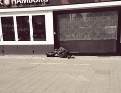 PART ONE --- at the bottom! (From The Streets Of Hamburg) Tags: fromthestreetsofhamburg homeless obdachlos streetsleeping strase penner bum schlafenaufderstrasse stgeorg hamburg
