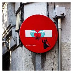 ... Dirección Prohibida ... (Lanpernas 3.0) Tags: señal diseño trafico street streetart arte art arteenlacalle artecontemporaneo artecallejero grafitti paint urbanite madrid