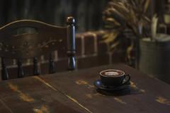 PIG ☕️ (S♡C) Tags: cafe coffee pig cafeonceuponatime cappuccino retro antique